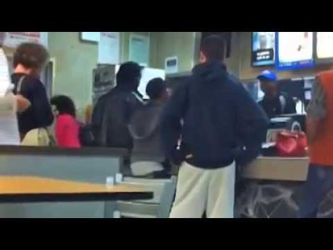 Mcdonalds Employee Vs 2 Ghetto Girls A Fight Over A Fake 50 Bill Youtube