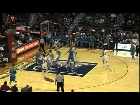 Davis Gets Inside for the DUNK | New Orleans Hornets Vs Atlanta Hawks | 10/18/2012 | NBA Preseason