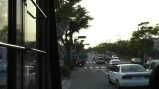 路線バスの前に割り込む迷惑自家用車、強烈クラクション鳴らされる thumbnail