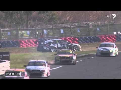 V8 Supercars 2013 - Chaz Mostert vs. Todd Kelly (Race 3, Hidden Valley)