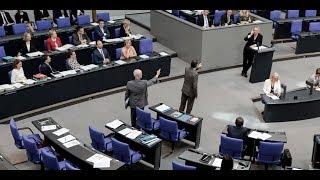 EKLAT IM BUNDESTAG: Nach scharfen Angriffen - AfD verlässt den Plenarsaal