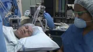 Полная замена коленного сустава под местным наркозом (пациент в сознании).