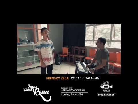 frengky-zega-sedang-latihan-vocal-ii-persiapan-film-layar-lebar-2020-ii-lagu-untuk-rena