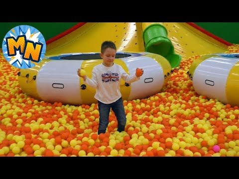 Самые Весёлые ДЕТСКИЕ  ПЛОЩАДКИ Батуты Outdoor Playground and entertainment for kids сюрприз обзор