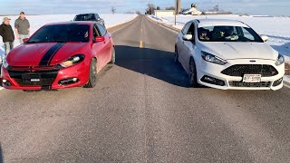 Gambar cover Girl In Ford Focus ST beats guy in modded Dodge Dart