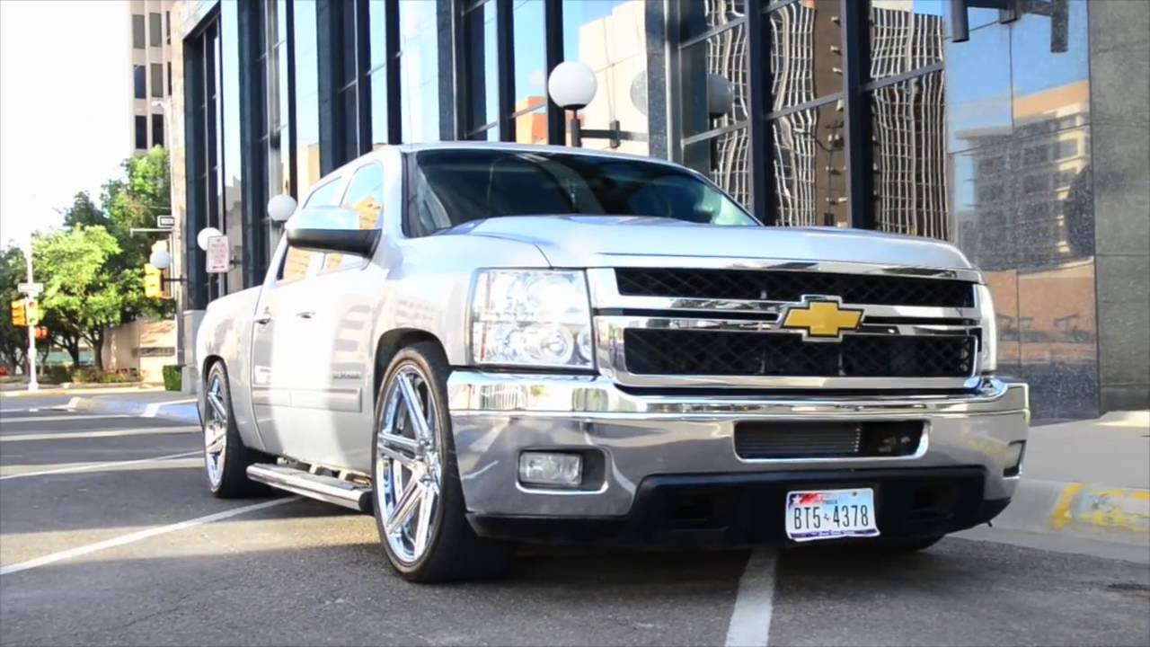 2010 Chevy Silverado With Hd Front End On 24 Dub Wheels