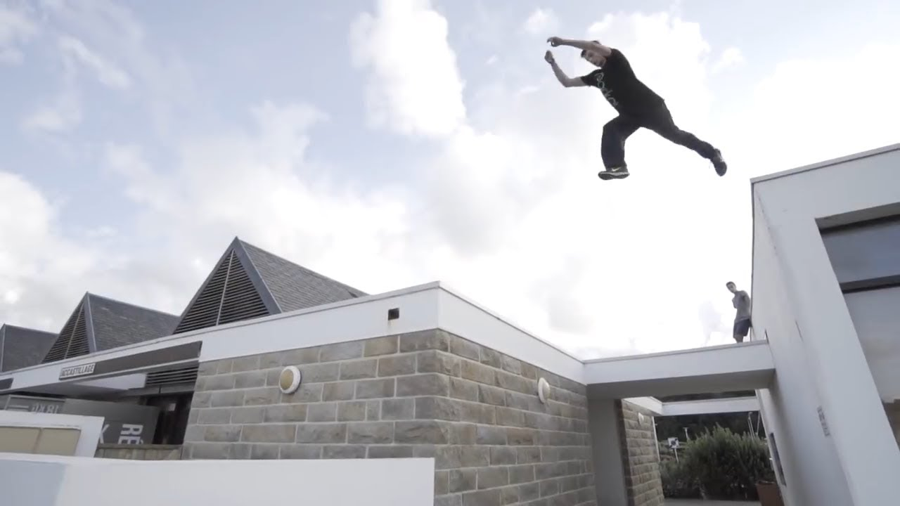 Parkour and Freerunning 2019 - Amazing Jumps