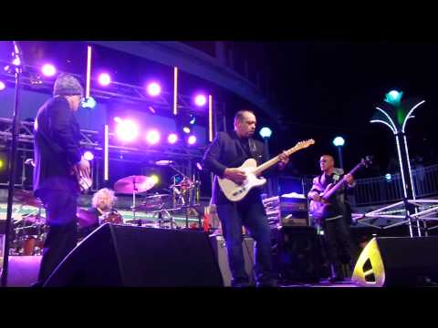Joe Bonamassa W/Ron DeJesus - Love Ain't A Love Song - 2/20/15 KTBA At Sea