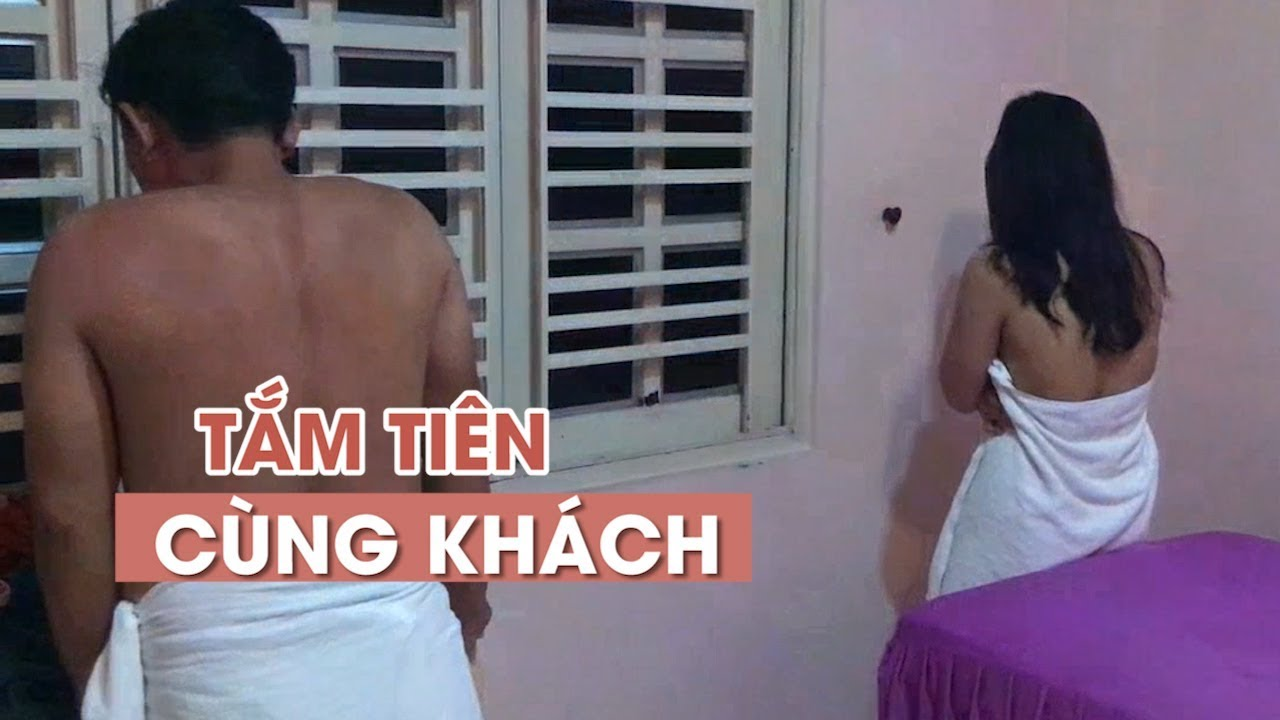"""Nhân viên nữ """"tắm tiên"""" cùng khách tại cơ sở Massage ở TP HCM"""