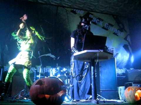 Dj Terian & Pj Rotten (Halloween Party).avi
