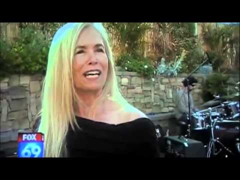 MUST SEE! Amazing Raw Vegan  Mimi Kirk about her diet. How to Stop aging!