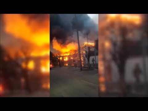 Bomberos sofocaron incendio de magnitud en una panificadora