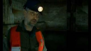 Тайные бункеры Гитлера (1 часть) 2009(О фильме: В конце войны Берлин лежал в руинах. Девяносто процентов зданий были разрушены меньше, чем за сто..., 2009-09-08T17:59:34.000Z)