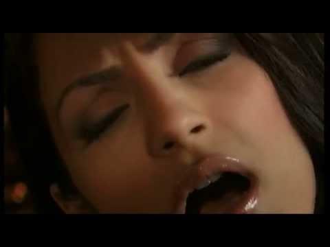 Ειρήνη Μερκούρη - Μείνε μαζί μου απόψε - Official Video Clip