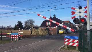 15 min drukte spoorwegovergang Heerenveen!