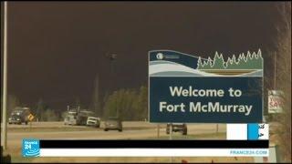 حريق غابات ضخم يجتاح مدينة فورت ماكموري في مقاطعة ألبرتا الكندية