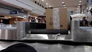 Video Baggage Claim download MP3, 3GP, MP4, WEBM, AVI, FLV Juni 2018