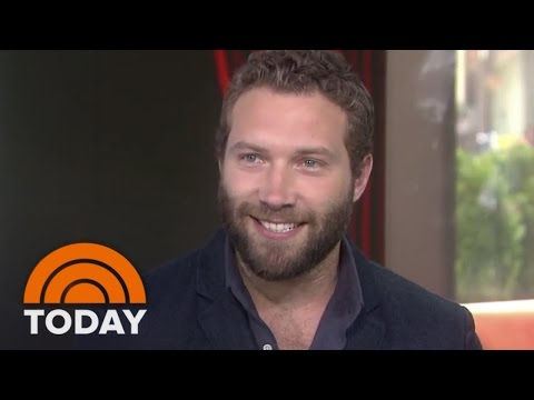 Jai Courtney Ripped Pants During 'Insurgent'  TODAY