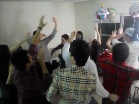 Americans Chinese and others enjoying sindhi dance on Balochi PPP Song, Jeay Bhutto