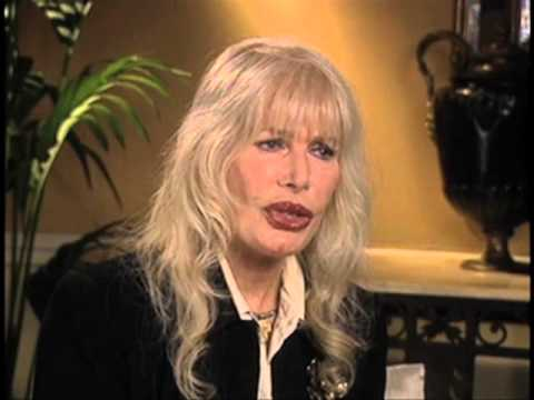 "Loretta Swit on Hawkeye and Hotlips' relationship on ""M.A.S.H"" - EMMYTVLEGENDS.ORG"