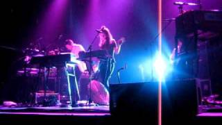 Zero 7 - Everything Up (Zizou) live at Terminal 5, NYC on 27/11/09 [04/17]