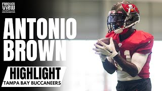 Watch as antonio brown makes first appearance at tampa bay buccaneers practice (video courtesy of buccaneers)#antoniobrown #tombrady #buccaneersdon...