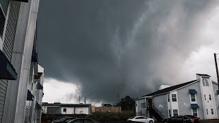Waking up to a Tornado OUTSIDE MY APARTMENT!!!