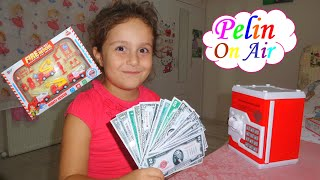 Unboxing and playing the fire rescue set and the money safe at home!