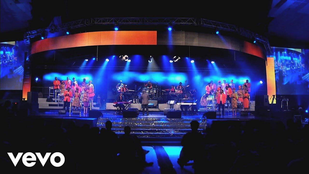 Joyous Celebration - Akukho Okungenzeki