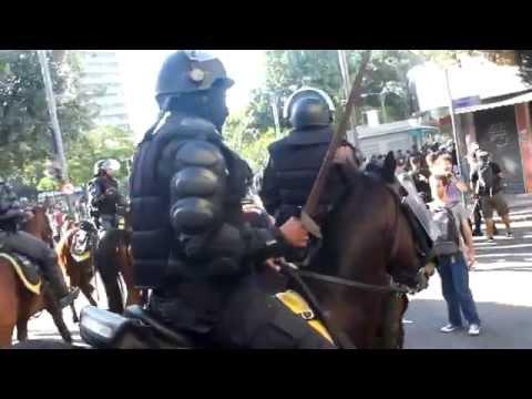 """Polícia """"toca o terror"""" em protesto no Final da copa."""