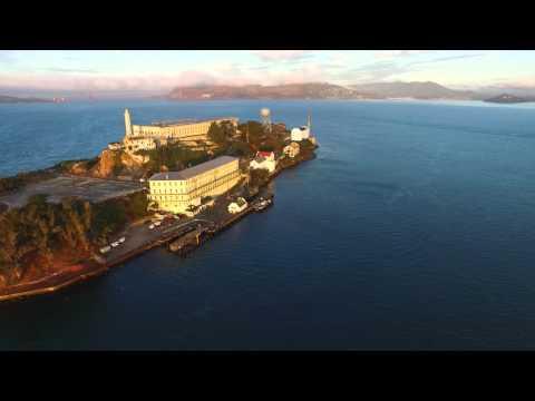 A flight to Alcatraz Island in 4K