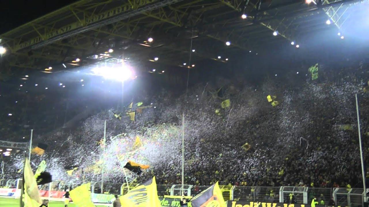 Slow Motion - Konfetti im Westfalenstadion: BVB - Gladbach