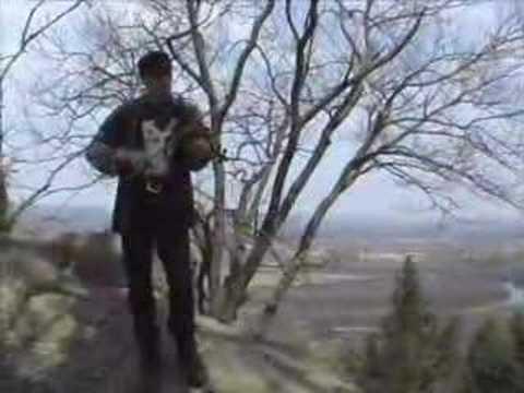 "Tim Eriksen sings ""Friendship"" at the Summit House"