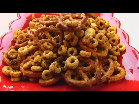 Betty's Nuts & Bolts Snack Mix