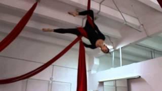 ArtArea Project: Урок по воздушной гимнастике на полотнах Обрыв