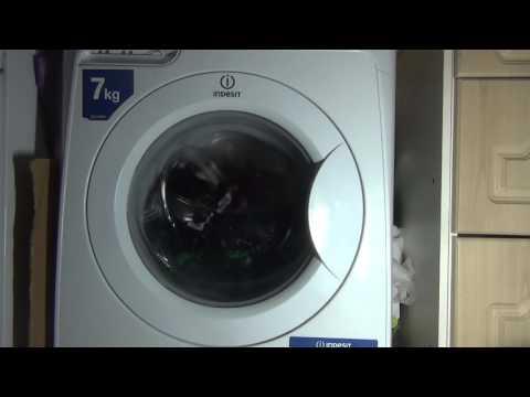 Indesit Prime PWE71420 washing machine : Coloreds ENERGY : wash (pt 1 of 2)
