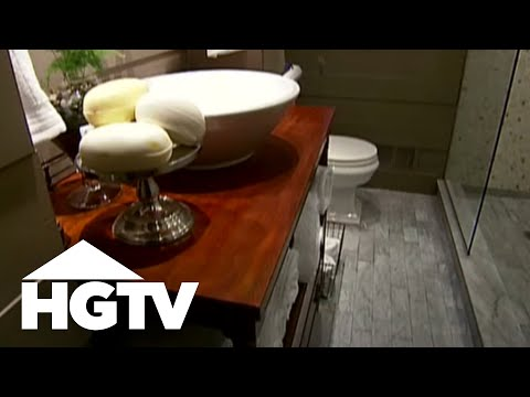 How to make a small bathroom look bigger hgtv video - How to make a small bathroom look larger ...