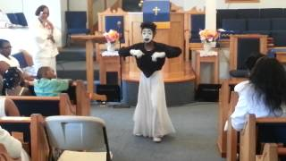 """Lady K mime to """" I don"""
