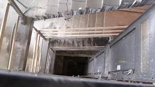Zákulisí rekonstrukce hotelové části (výměna výtahu)
