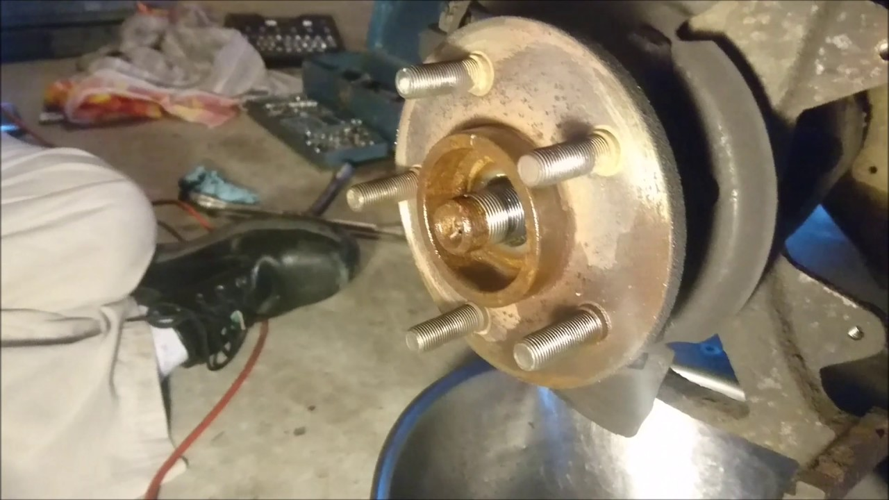 how to change your front wheel hub jeep wrangler tj 1999 [ 1280 x 720 Pixel ]