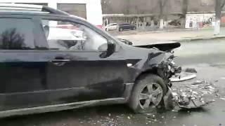Крупная авария в Заводском районе осложнила движение в центр города