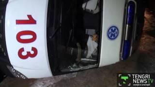 Машина скорой помощи перевернулась из-за гололеда в Алматы(Машина скорой помощи перевернулась из-за гололеда в Алматы. Об этом сообщает корреспондент программы
