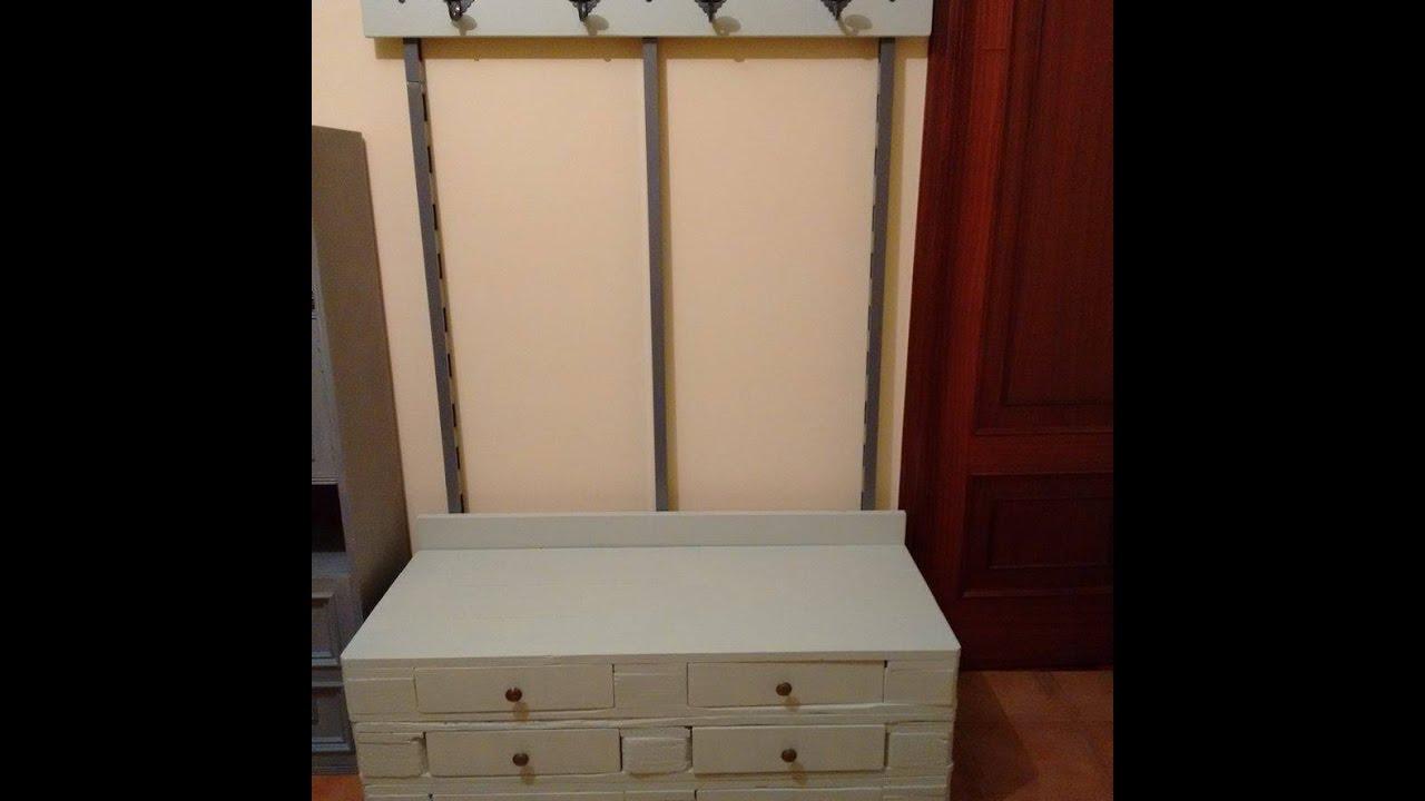 Mueble perchero hecho con palets y material reciclado for Mueble hecho con palet