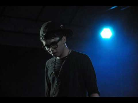 Alyph SleeQ - I used to live in the dark lyrics
