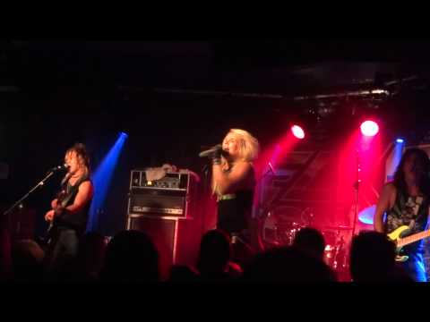 Reckless Love - On The Radio - Live in Belfast - 01-12-11