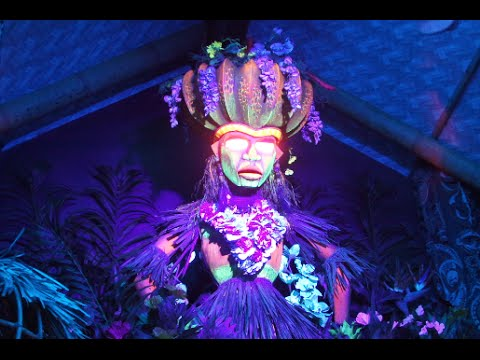 Trader Sam's Grog Grotto tour and effects with Uh Oa at Polynesian Resort, Walt Disney World