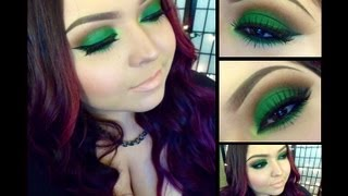 Look: Lucky Clover (Forrest green smokey eyes with a nude lip) Thumbnail