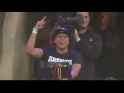 DJ CHUCKIE live at tomorrowland 2011 HQ audio/video