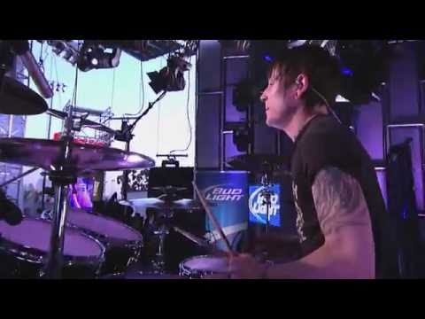 Asking Alexandria Performs  Closure
