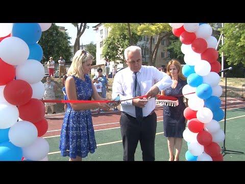 Открытие стадиона у сакской школы №2 - привью к видео StOo1F5Qwe0